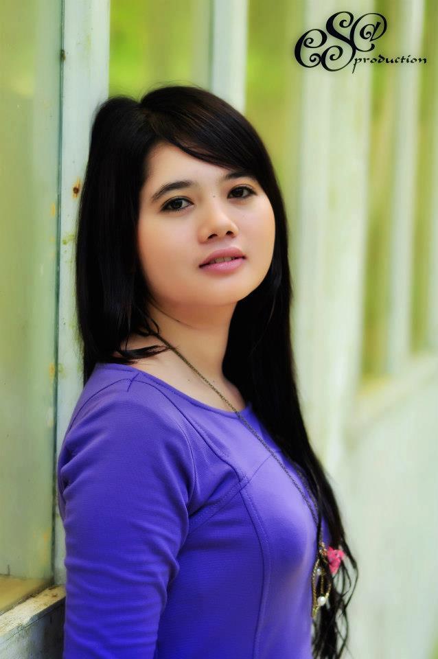 Download Cewek-cantik-asian-suka-nyepong-kontol-1.jpg